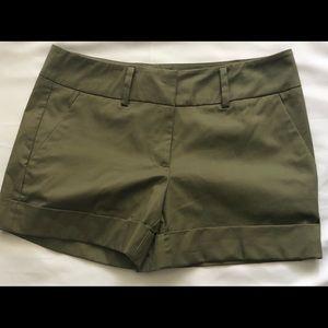 New York & Company/ 7th Avenue Shorts Sz 4